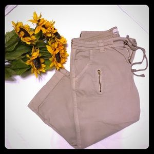 Old Navy Capri tan pants